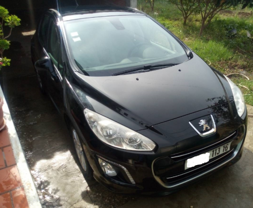 PEUGEOT 308 HDI 1,6 année 2013